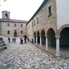 In Romagna una misteriosa comunità seduce con le sue mani sapienti