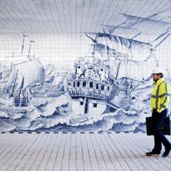 Il bellissimo tunnel di Amsterdam ricoperto da 79mila piastrelle dipinte a mano