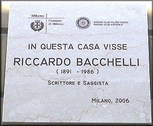 La targa dedicata a Riccardo Bacchelli...