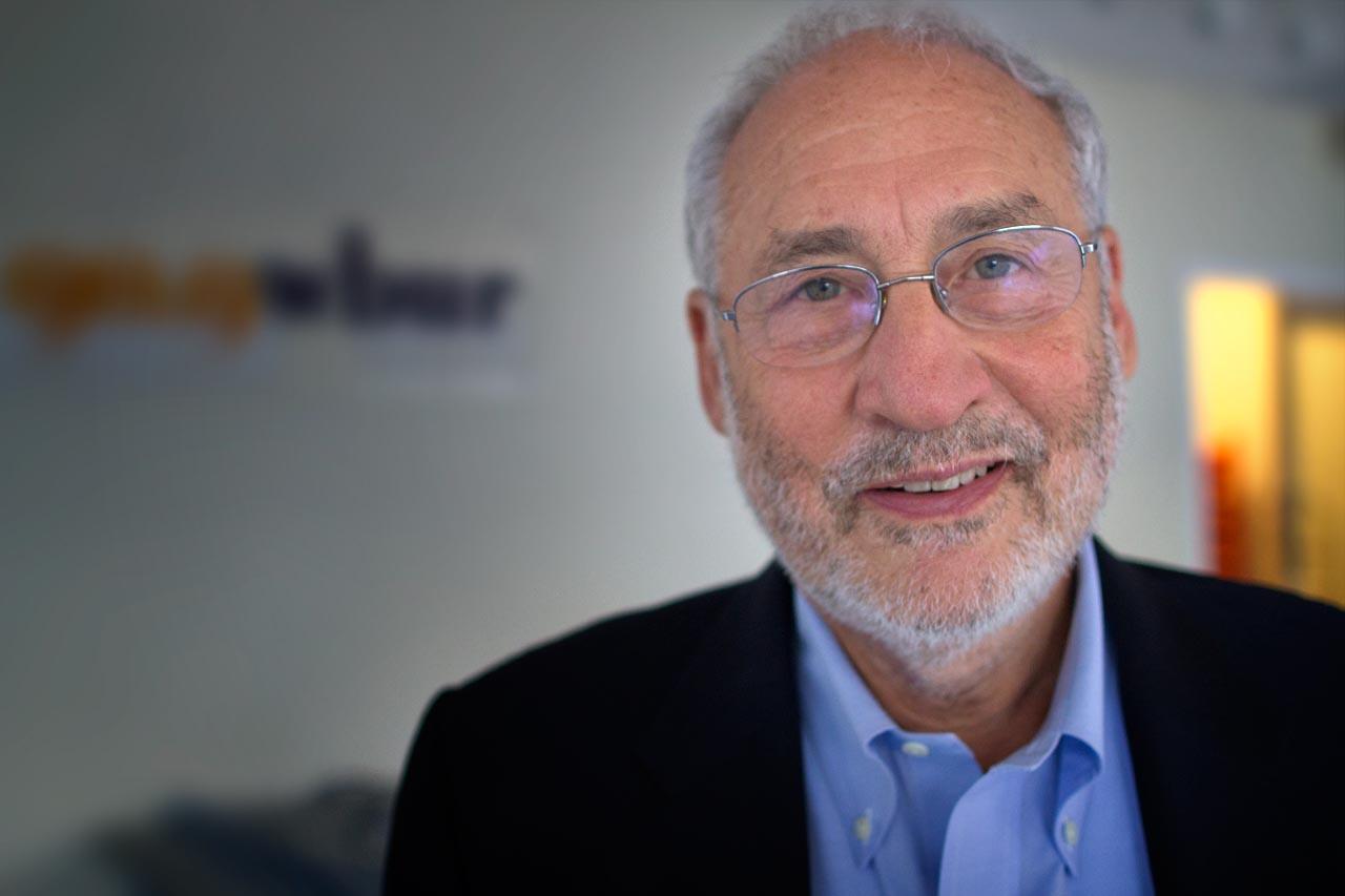 """Stiglitz, premio Nobel <br />per l'economia: <br />""""non firmate il TTIP"""""""
