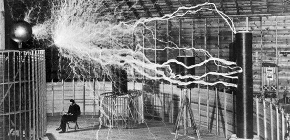 Nikola Tesla, ovvero niente di meglio di una mamma maga