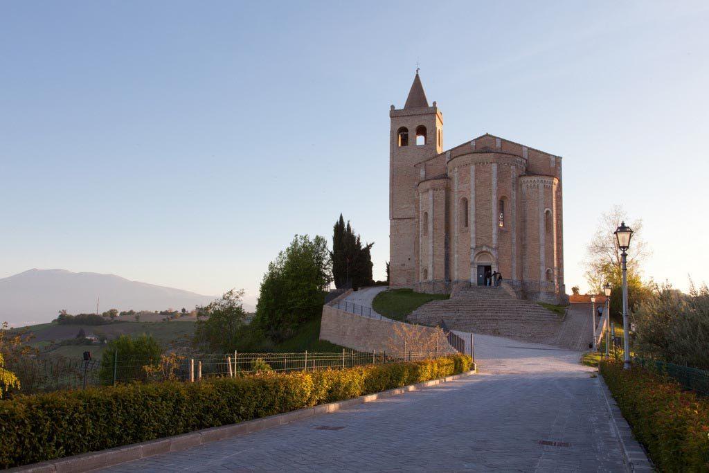 chiesa-santa-maria-rocca-offida