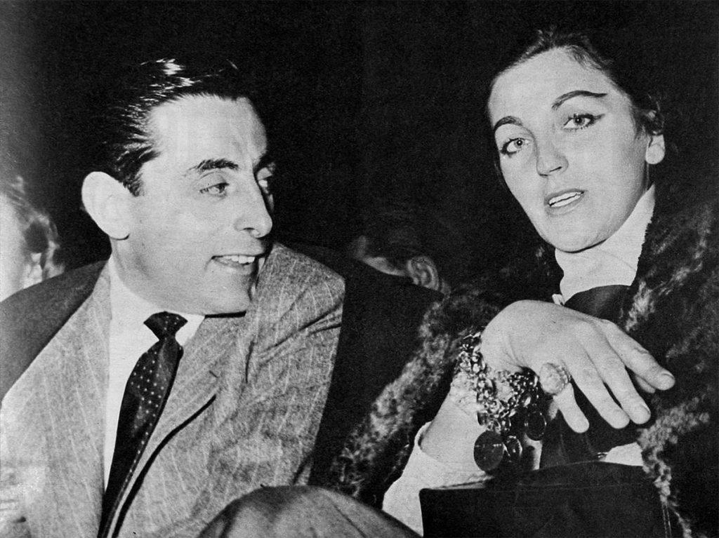 Dicembre 1956. Fausto Coppi e Giulia Occhini assistono a un incontro di pugilato