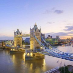 Londra, la sterlina in calo fa aumentare turisti e spese. E i senzatetto diventano guide