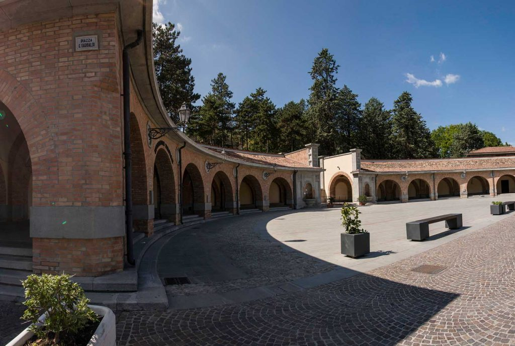 Piazza-ex-Mercato-dei-viveri-predappio-ferdinando-cimatti