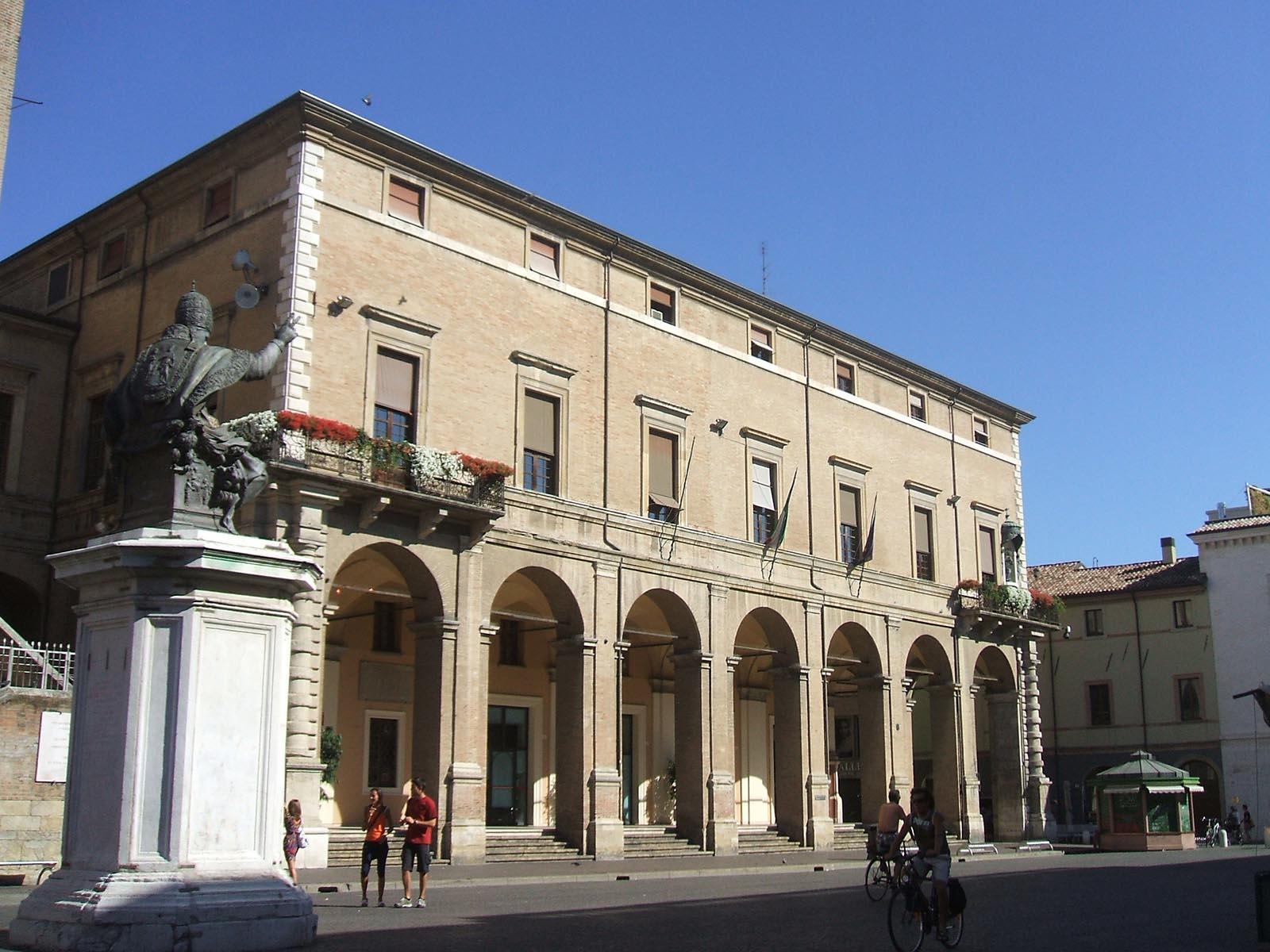 Per un alfabeto civile: <br />vedi alla voce <br />P come Pagamenti. <br />(E brava, Rimini!)