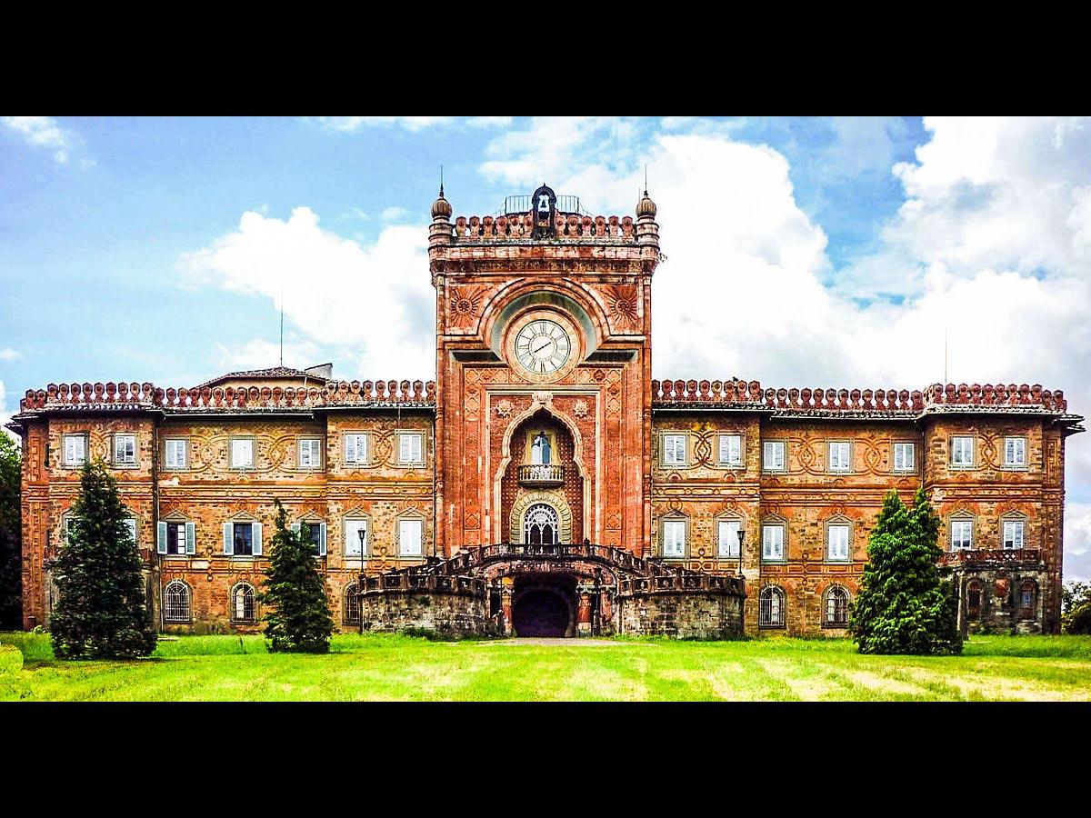 Castello di Sammezzano, in Toscana: <br />dopo il nostro urlo, la svolta del cuore