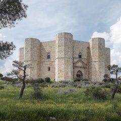 E nel padiglione della Puglia da leggere si materializzarono giganti di ogni tempo