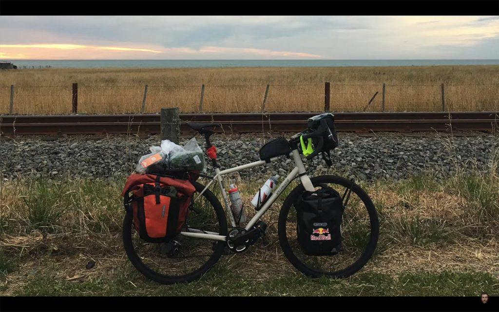vado-a-farmi-un-giro-nuova-zelanda-bicicletta