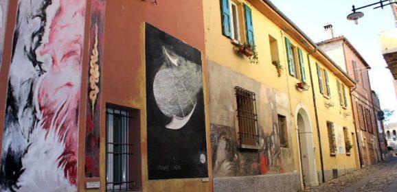 I muri d'autore di Dozza raccontano storie da più di mezzo secolo