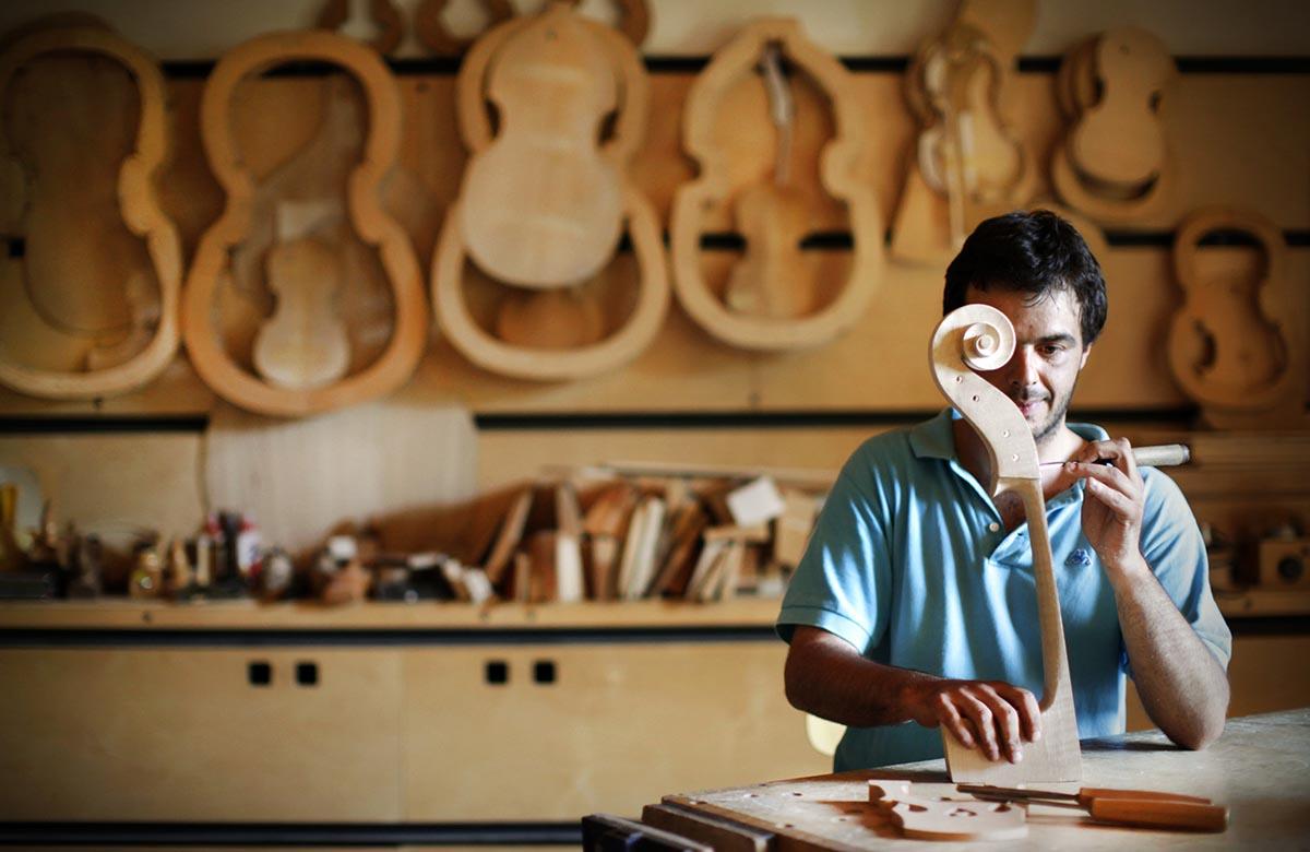 Klaus Davi scrive a Calenda: <br />artigiani italiani siano candidati <br />a Patrimonio dell'Unesco