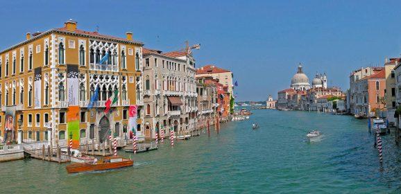 Quel Photo Boat a Venezia e gli stereotipi fermi nelle menti dei giornalisti