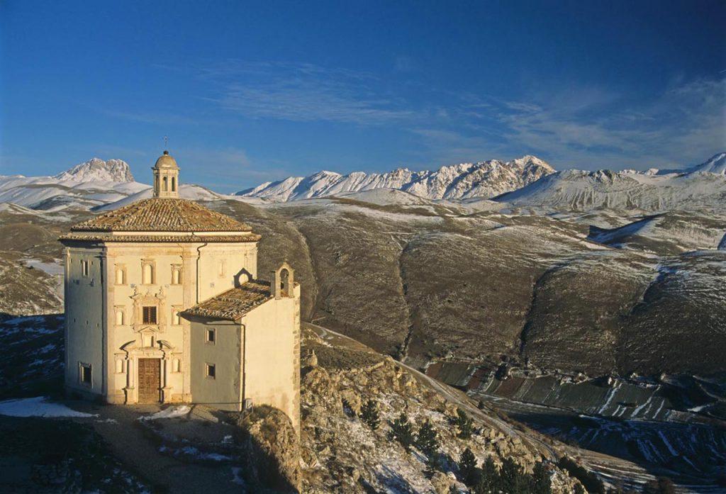 chiesa-santa-maria-della-pietà-rocca-calascio-gran-sasso