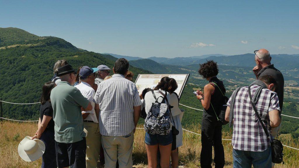montefeltro-vedute-rinascimentali-pale-eoliche-paesaggi-gioconda-leonardo