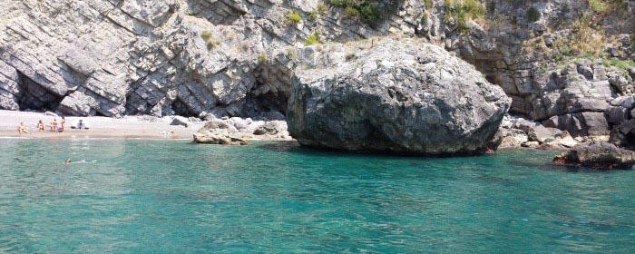amalfi-spiaggia-costiera-amalfitana