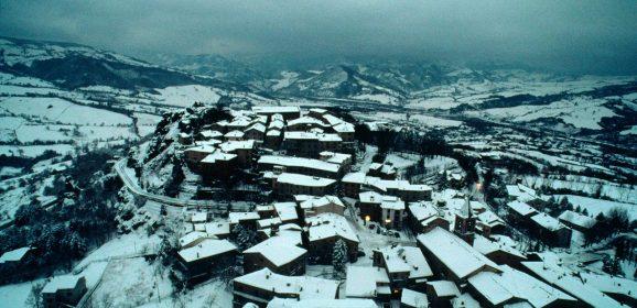 Da Rimini a Pennabilli sulle tracce di Fellini e di Tonino Guerra: paesaggio con poeta