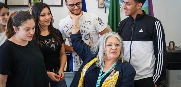 Prof disabile salvata dagli alunni. Leggete qui, ne vale la pena: Napoli non è solo sangue e odio