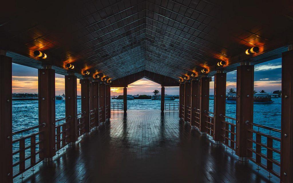 maldive-resort-notturna