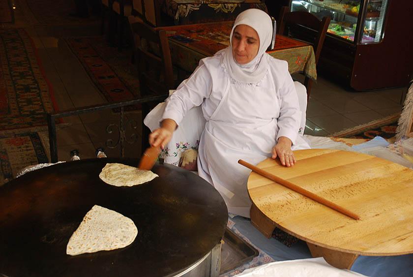 Nei vicoli di Istanbul cucina e parole sono condivise con Genova, da secoli, da marinai e mercanti. (Foto di Pietro Tarallo).