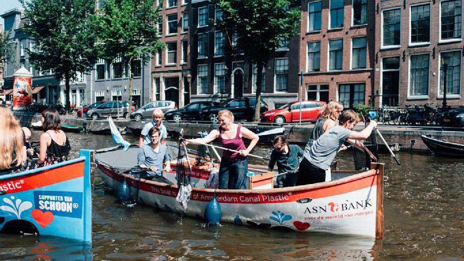amsterdam-plastica-canali