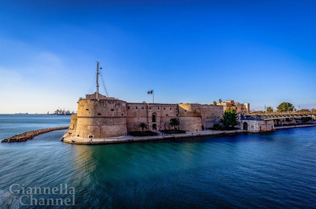Castello Aragonese, Taranto © Marina Militarecastello Aragonese x upicom