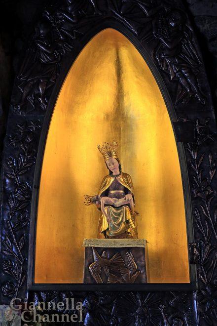 Santuario Madonna della Cornabusa, Sant'Omobono Terme (BG), Edicola © Mesturini Morelli © FAI - Fondo Ambiente Italiano