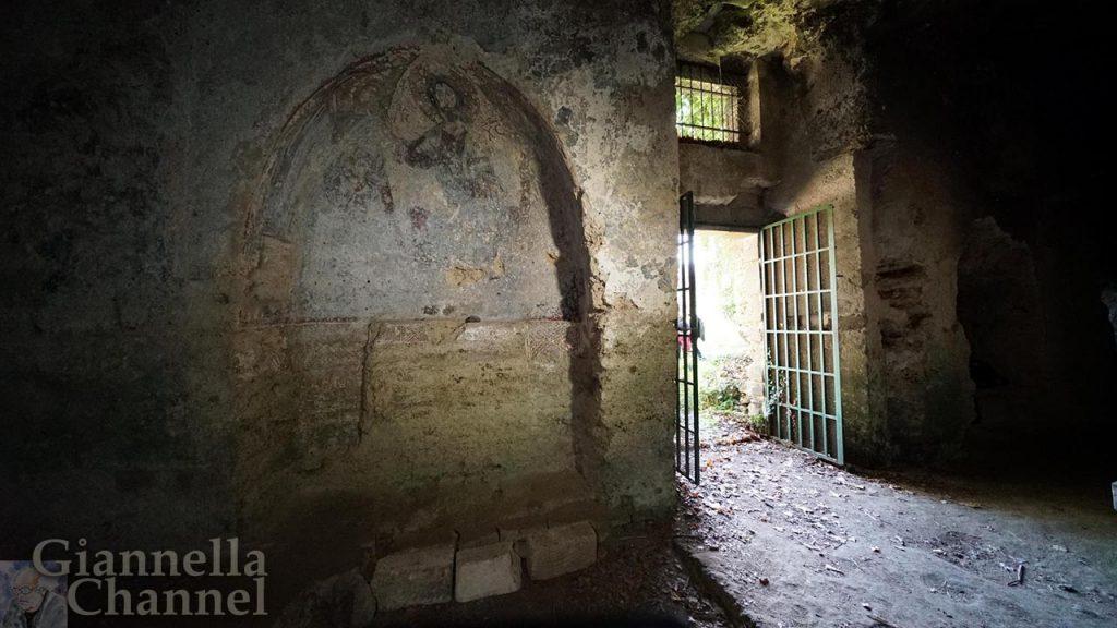 Chiesa rupestre del Crocifisso, Lentini (SR) - Foto di Fabio Fortuna © FAI - Fondo Ambiente Italiano