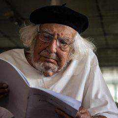 E Papa Francesco riabilita il prete-poeta Ernesto Cardenal