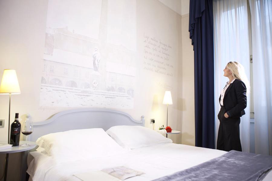 La stanza di Gabriele D'Annunzio all'hotel Ala d'Oro