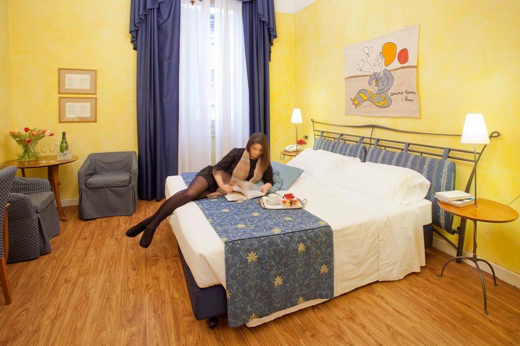 La stanza di Tonino Guerra all'hotel Ala d'Oro
