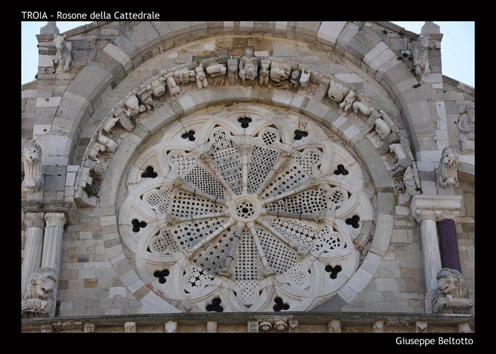Il rosone della cattedrale di Troia