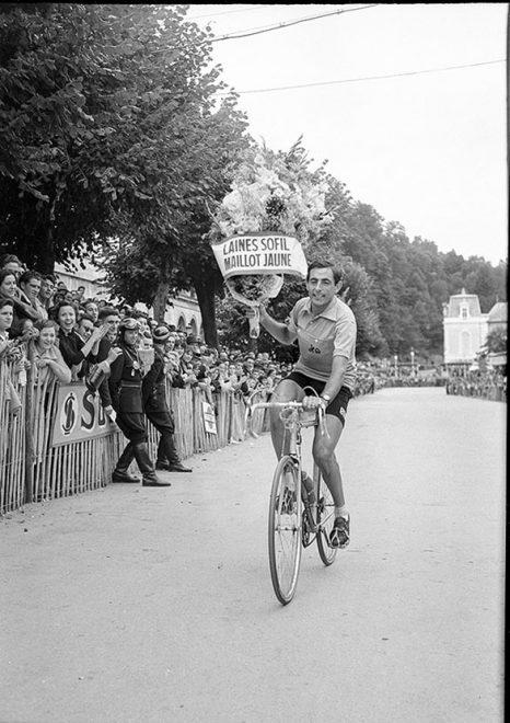19 luglio 1952, Parigi. Fausto Coppi viene proclamato vincitore del Tour de France