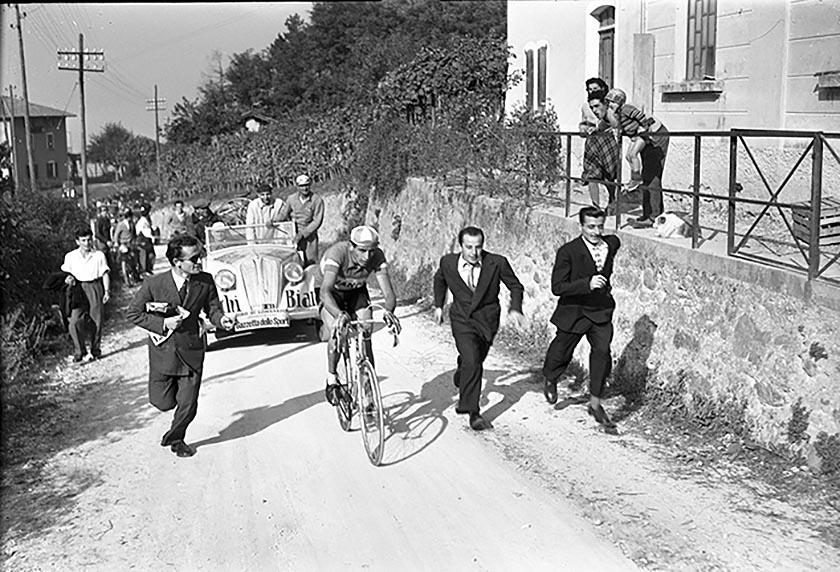 Fausto Coppi, l'Airone <br />che pedala ancora <br />nella mia memoria