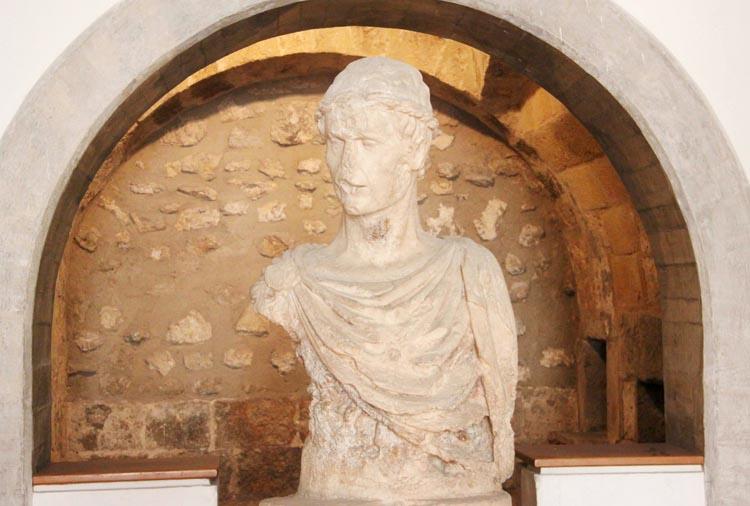 busto-federico-ii