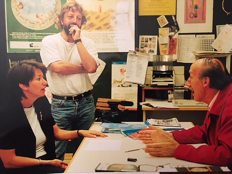 Gianni Giannini dialoga con la giornalista tedesca Brigitte Brackemann