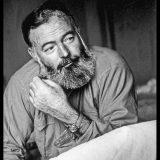 Le grandi storie sui muri di Milano: qui abitarono Hemingway e Ho Chi Minh