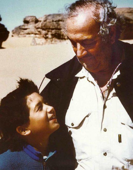 Deserto del Sahara, 1988: Giancarlo Ligabue con il figlio Inti