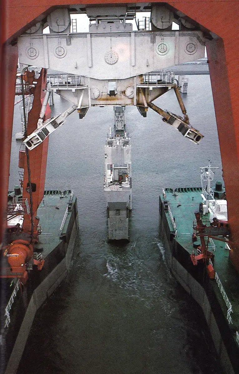 progetto-delta-diga-olanda-posa-piloni