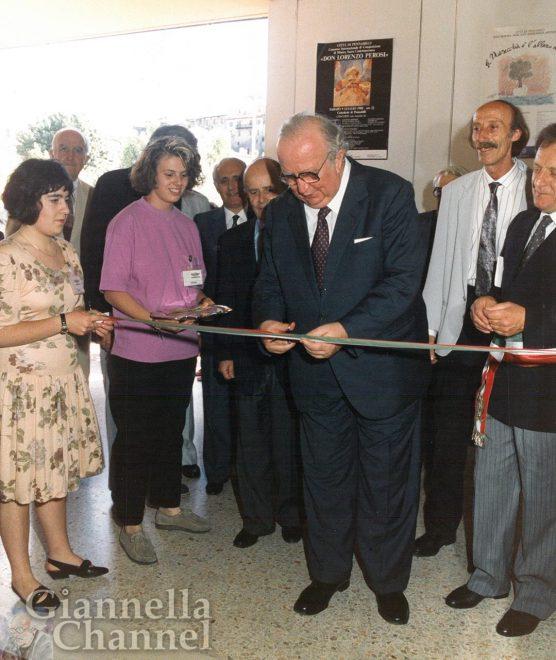 Pennabilli, 1988: il presidente del Senato Giovanni Spadolini inaugura la Mostra dell'Antiquariato