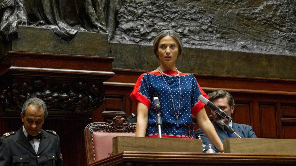 Anna Foglietta interpreta Nilde Iotti nel docufilm Rai