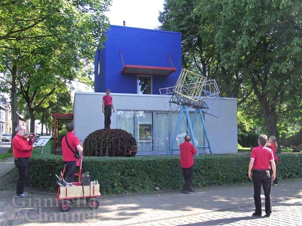 Eisenheim-casa-azzurra-Roland-Guenter