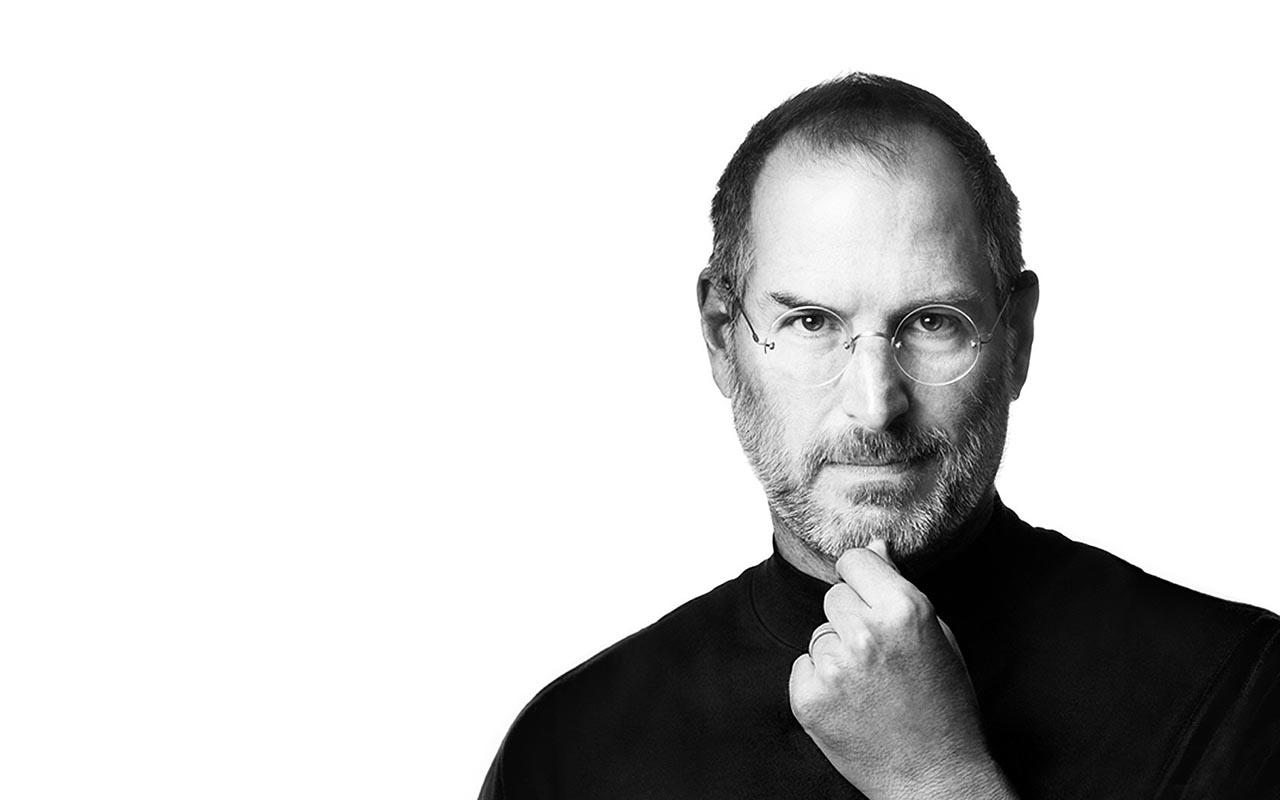 Steve Jobs, bimbo <br />adottato e felice <br />che ha cambiato <br />la vita a tutti noi