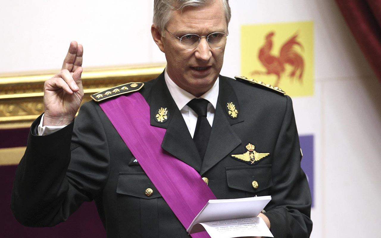 """Il re del Belgio chiede scusa <br />al Congo """"per le ferite inferte <br />durante il colonialismo"""""""