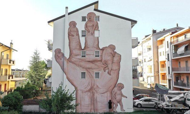 A colpi di murales contro lo spopolamento: Stigliano (Matera) punta sull'arte pubblica