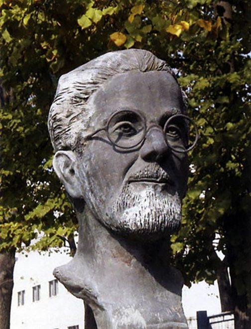 Il busto dedicato a Luigi Pierantoni che si trova nell'ospedale Morgagni-Pierantoni di Vecchiazzano, frazione di Forlì