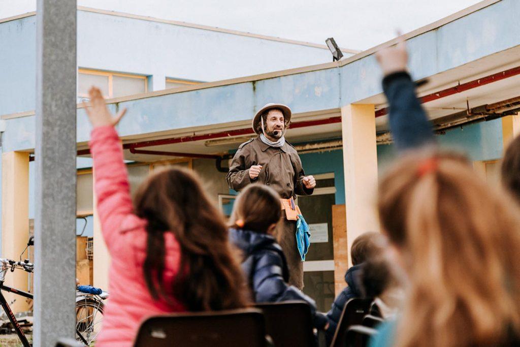Lecce, Ippolito Chiarello, Barbonaggio Teatrale nelle scuole
