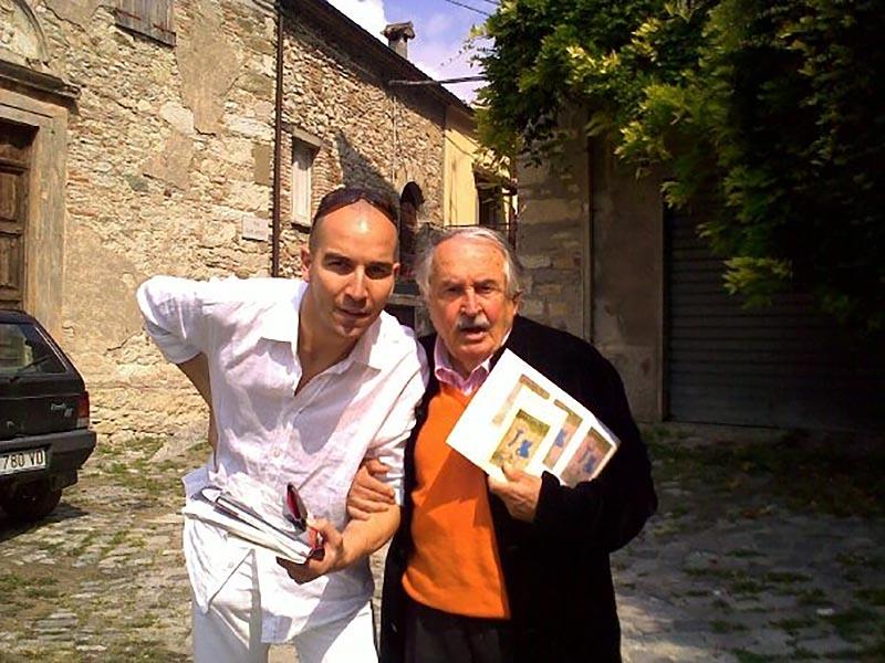 Mario Stefano Pietrodarchi con Tonino Guerra