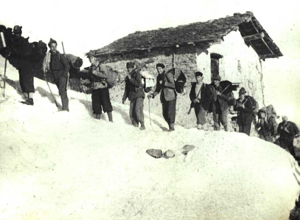 La IV banda in marcia da Paraloup al Vallone dell'Arma, marzo 1944
