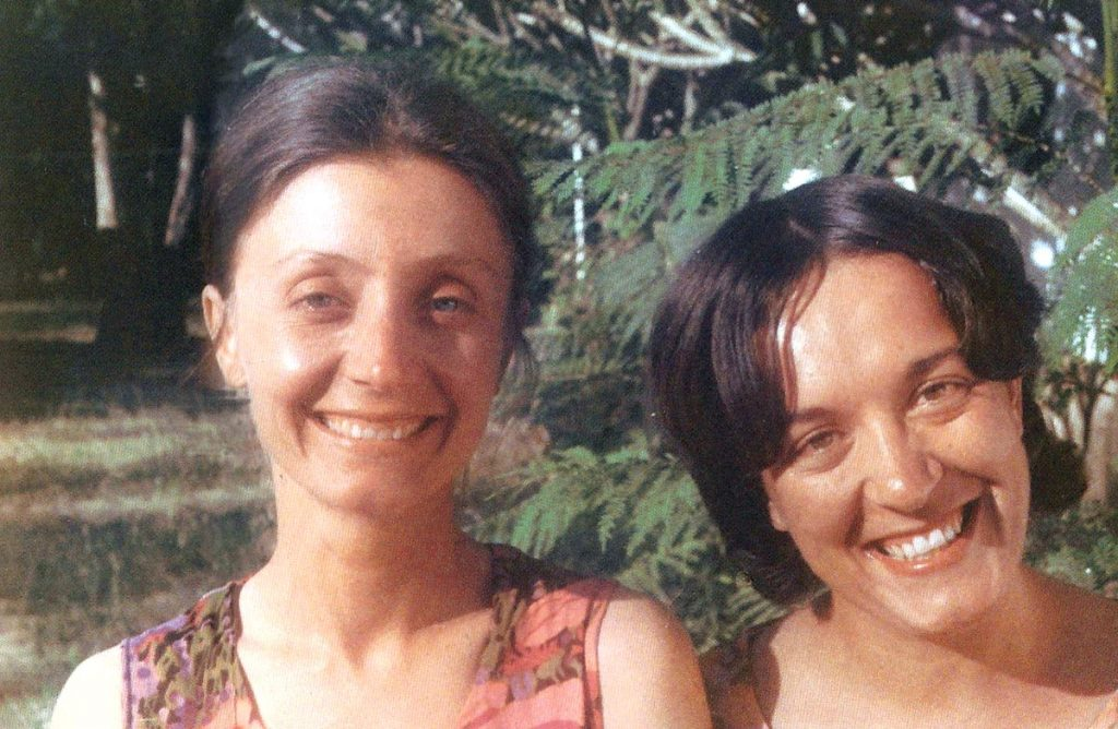 Annalena Tonelli con l'amica Maria Teresa Battistini (1974)
