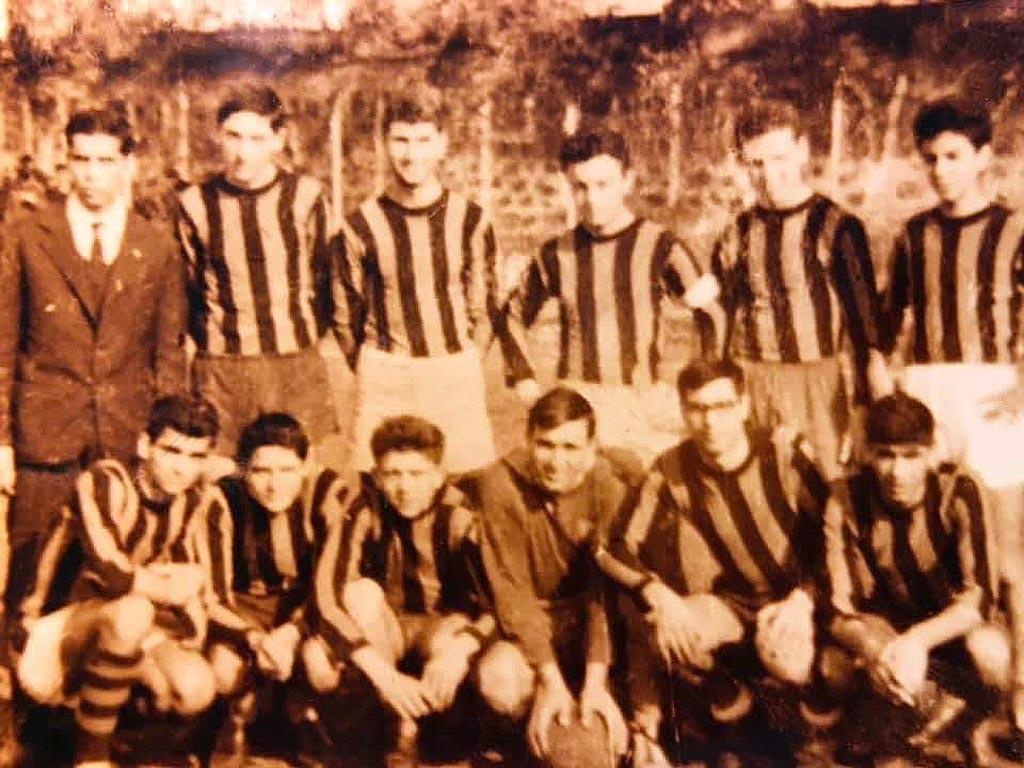 Franco Battiato bambino - squadra calcio Riposto